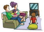 33344084-viendo-el-tiempo-tv-familia